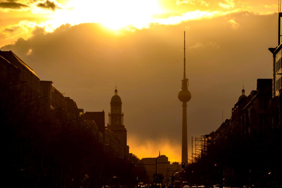 Das Aprilwetter bleibt! Etwas Sonne in Berlin und Brandenburg erwartet