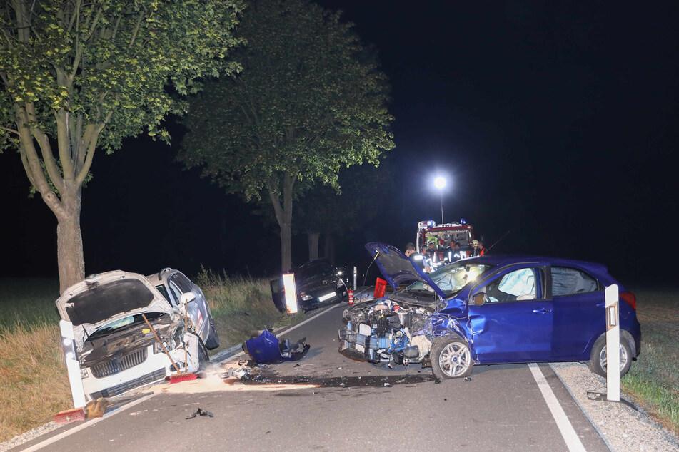 Aus ungeklärter Ursache sind am Samstagabend drei Autos miteinander kollidiert.
