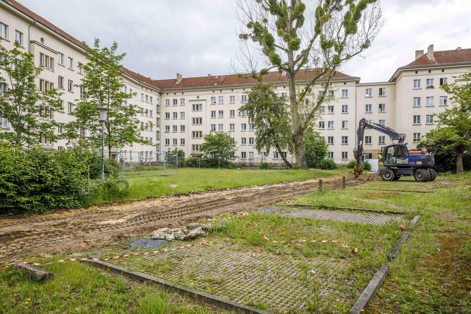 Dieser Hinterhof an der Seidnitzer Straße wird bebaut, der Widerstand einzelner Anwohner war groß.