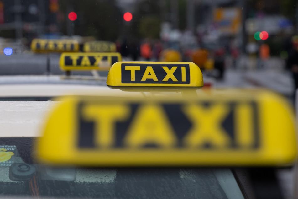 Kritik kommt unter anderem vom Geschäftsführer des Bundesverbandes Taxi und Mietwagen. (Symbolbild)