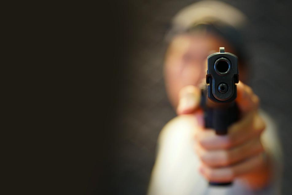 """""""Außergewöhnlicher Fall"""": Mann mit Waffe und Gewalt zum Drogenkonsum gezwungen"""