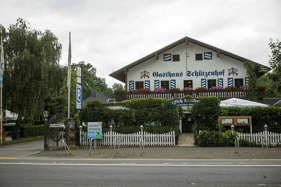 Der Leipziger Schützenhof - vorne Gastwirtschaft, hinten der Schießstand der Schützengesellschaft. Sachsens Polizisten trainieren hier regelmäßig.