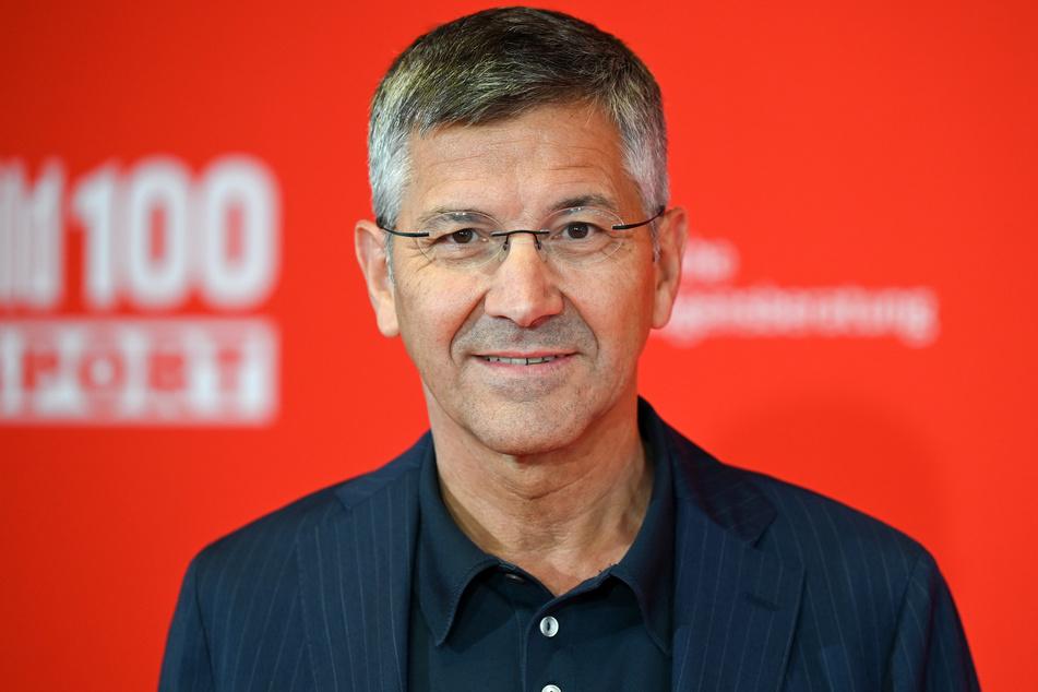 Vereinspräsident Herbert Hainer (67) leitet die Geschicke beim FC Bayern München und hat nun Einblicke bei wichtigen Themen gewährt.