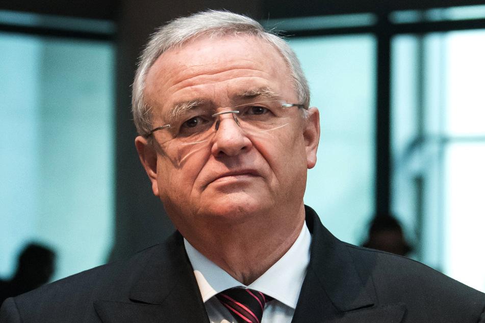 Martin Winterkorn (73), ehemaliger Vorstandsvorsitzender von Volkswagen, kommt am als Zeuge zur Sitzung des Abgas-Untersuchungsausschusses des Deutschen Bundestages. (Archivbild)