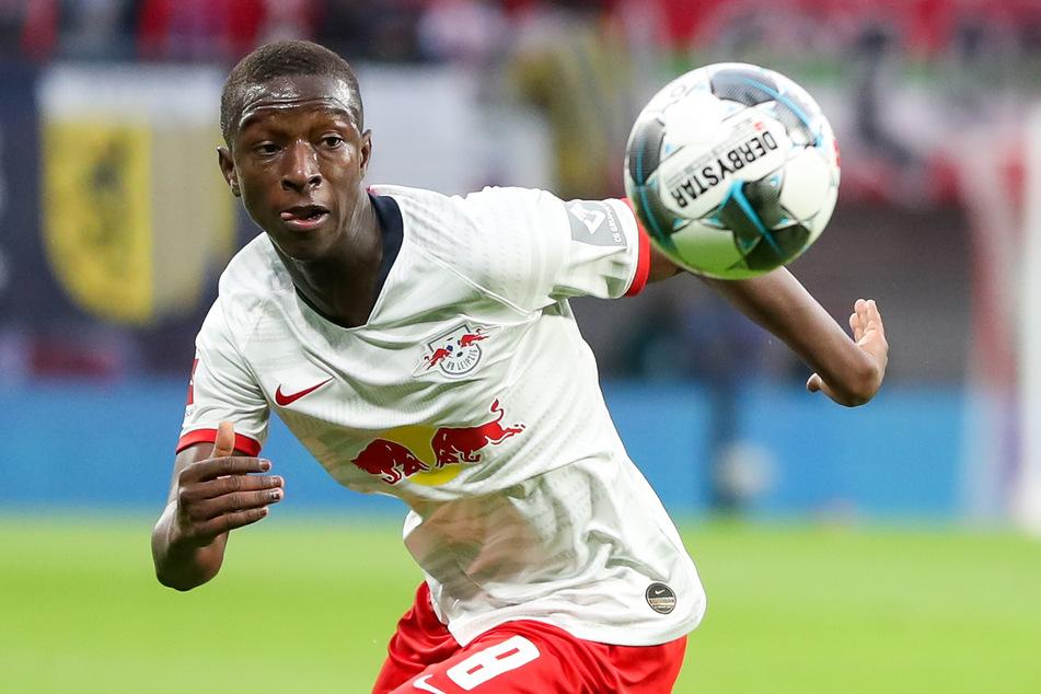 Leipzigs Spieler Amadou Haidara am Ball.