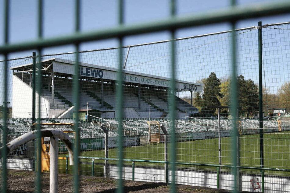 Der Alfred-Kunze-Sportpark könnte noch eine Weile länger leer stehen.