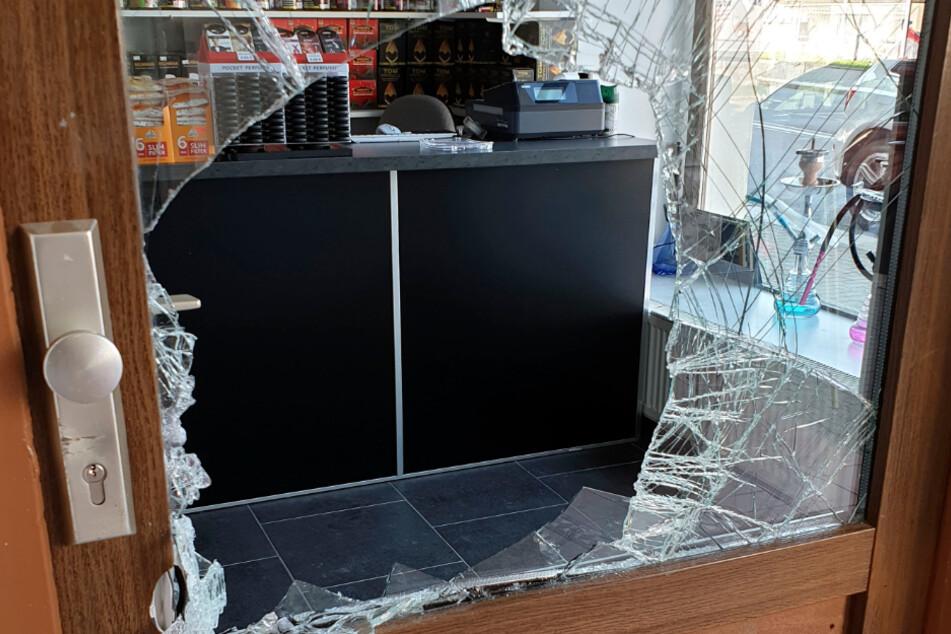 Chemnitz: Chemnitz: Diebe brechen in Laden auf dem Sonnenberg ein und klauen Kippen