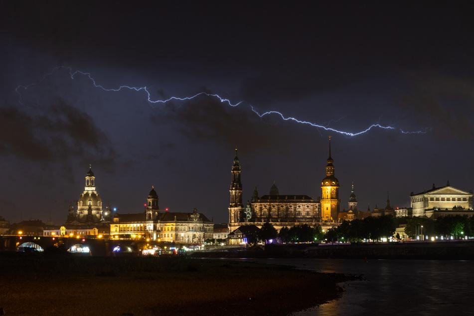 Dresden wurde in der Nacht zu Mittwoch von einem Unwetter heimgesucht. (Archivbild)