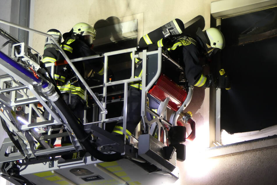 Wohnung in Vollbrand: Vier Verletzte im Landkreis Leipzig