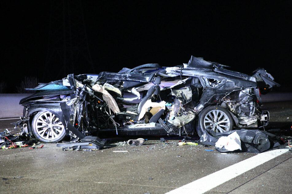Bei dem Unfall mit den beiden BMW kam ein Fahrer (57) ums Leben. Sein Beifahrer (61) wurde schwer verletzt.