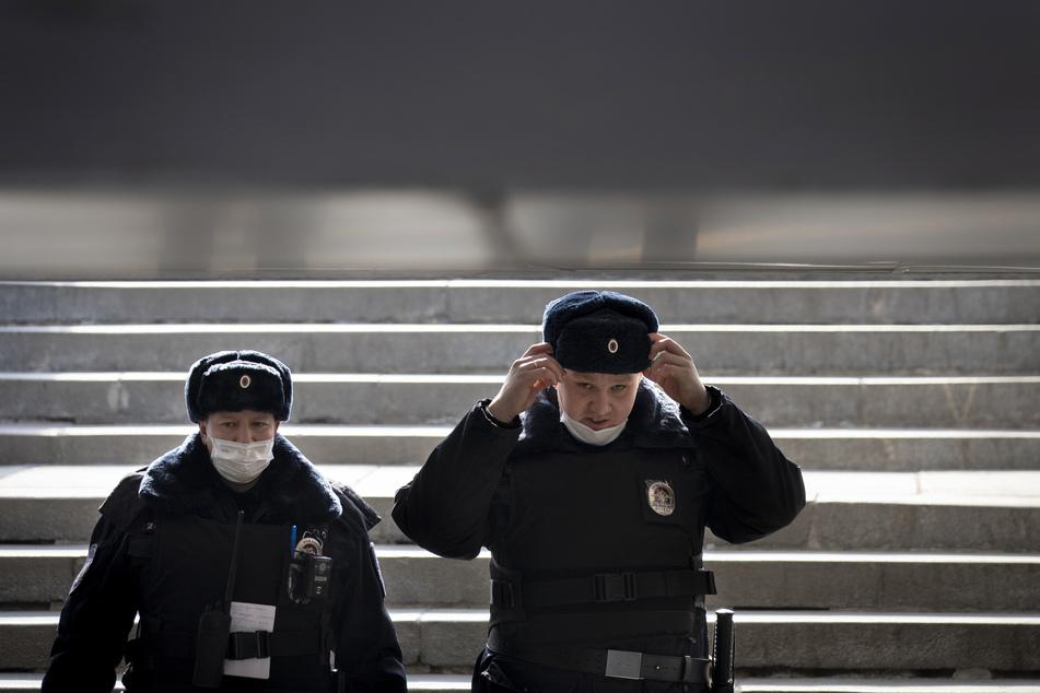 In mehreren Moskauer Kliniken sind anonyme Bombendrohungen eingegangen. Die Polizei ist in Bereitschaft. (Symbolbild)