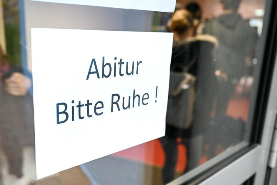 Berlin: Trotz heftigen Protesten: Abi-Prüfungen beginnen an Berliner Schulen