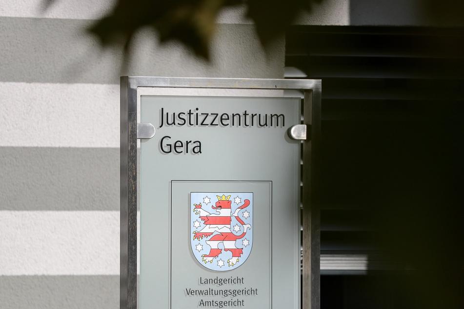 Ein Hauptfeldwebel der Bundeswehr muss sich vor dem Amtsgericht Gera verantworten.