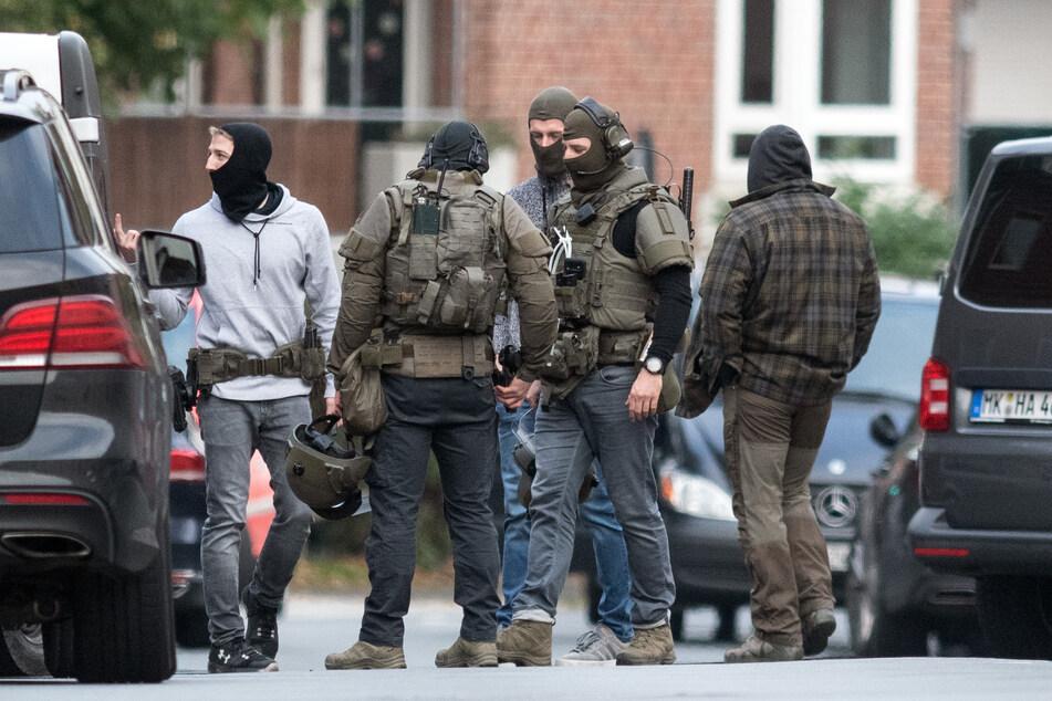 """""""Mit dem Hammer das Coronavirus besiegen"""": So lief die tödliche Geiselnahme im NRW-Knast"""