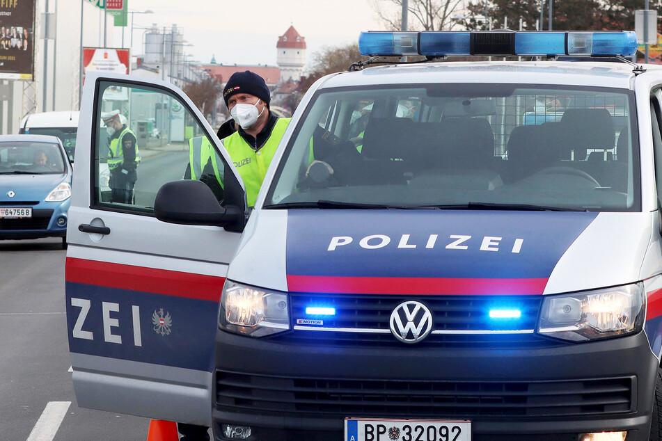 Panik, weil Polizei an die Tür klopft: Mann schießt aus Versehen auf Stieftochter