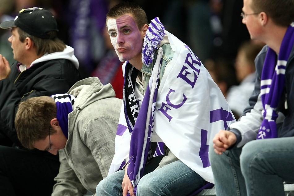 Fassungslose Fans nach dem Gang in die Drittklassigkeit 2008.