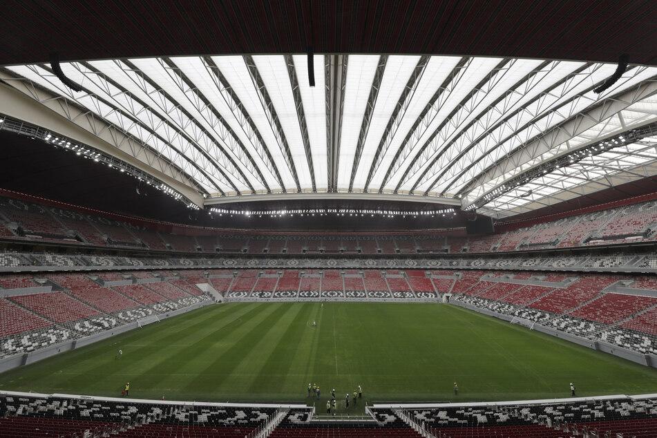 Blick in das Al-Bayt-Stadion in Doha, eines der WM-Stadien in denen 2022 die Fußball-WM aufgetragen wird.