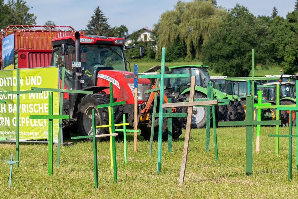 Landwirte demonstrieren mit 300 Traktoren für eine andere Agrarpolitik!