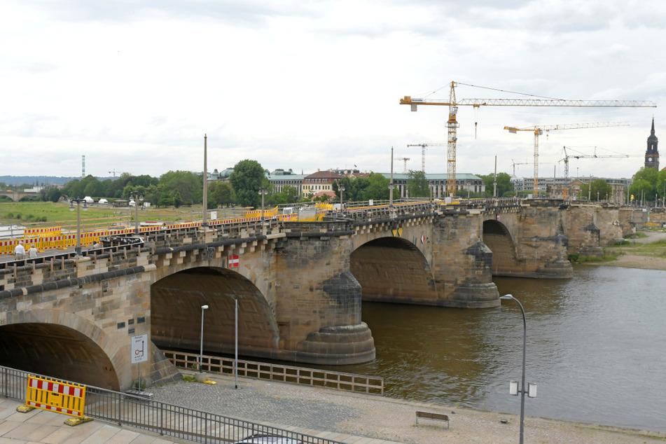2021 soll die Augustusbrücke endlich fertig saniert sein.