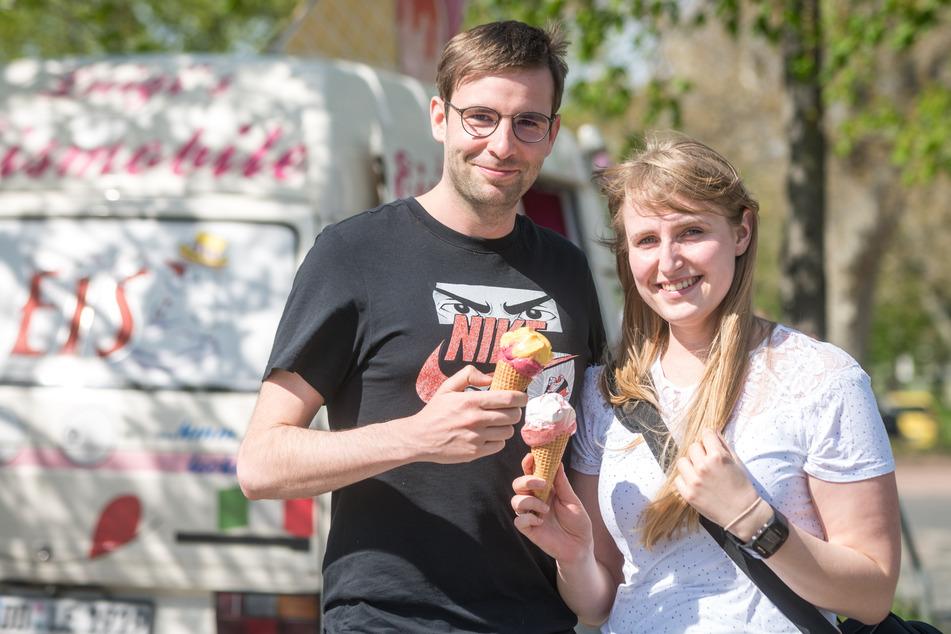 Sommer, Sonne, Eis: Laura (27) und Christian Trapp (29) schlemmten, was das Zeug hält.