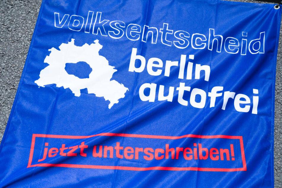 Am Samstag beendet eine Bürgerinitiative nach drei Monaten ihre Unterschriftensammlung zur Einleitung eines Volksbegehrens für eine autofreie Berliner Innenstadt.