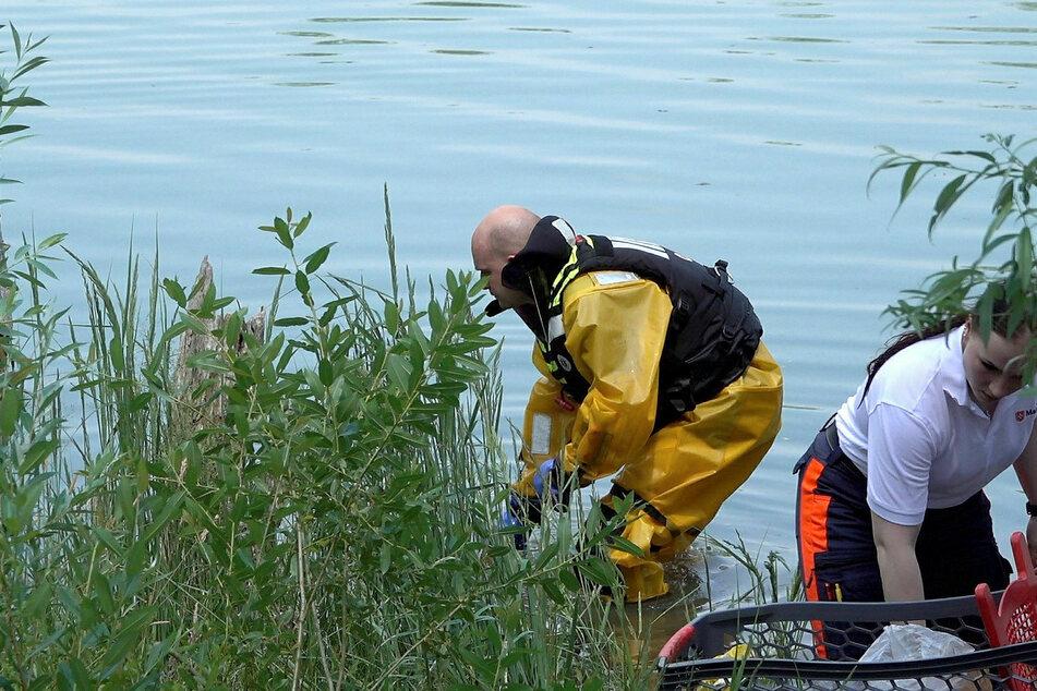 Taucher und Einsatzschwimmer suchten die Kiesgrube am Wochenende ab.