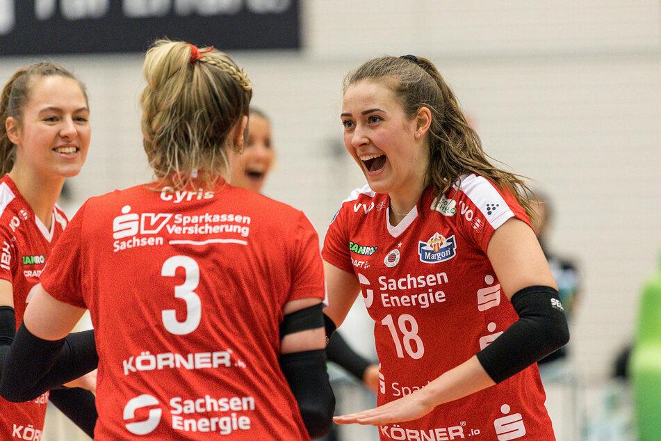 Die Damen des Dresdner SC fegten in weniger als 70 Minuten mit einem 3:0 über Schwarz-Weiß Erfurt hinweg.