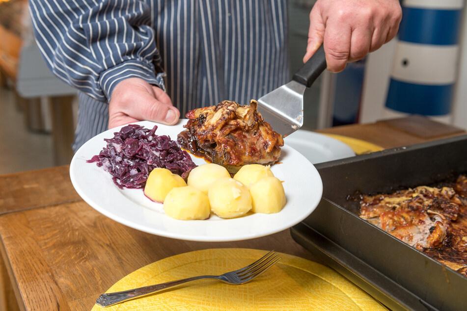 Als Beilage empfiehlt Kittner Rotkohl und Salzkartoffeln oder Reis mit Mischgemüse.