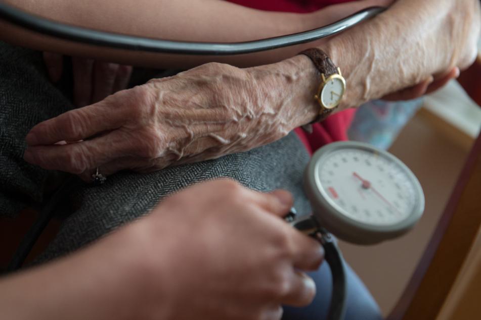 Für die Studie untersuchten die Ärzte Corona-Tote mit schweren Vorerkrankungen.