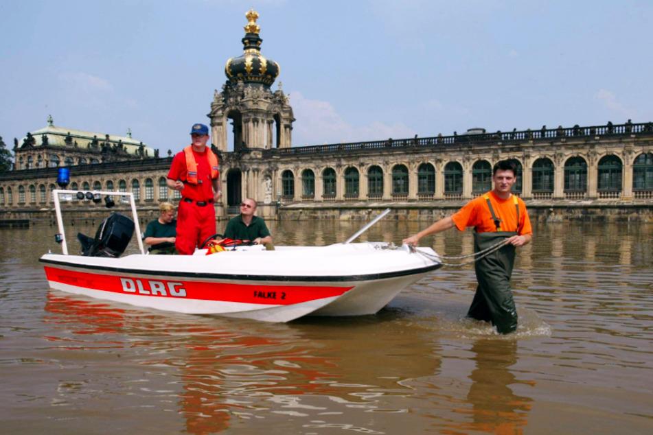 Wie bereits 1845, wurde auch der Zwinger vom Hochwasser umgeben. Doch 2002 war man darauf völlig unvorbereitet.
