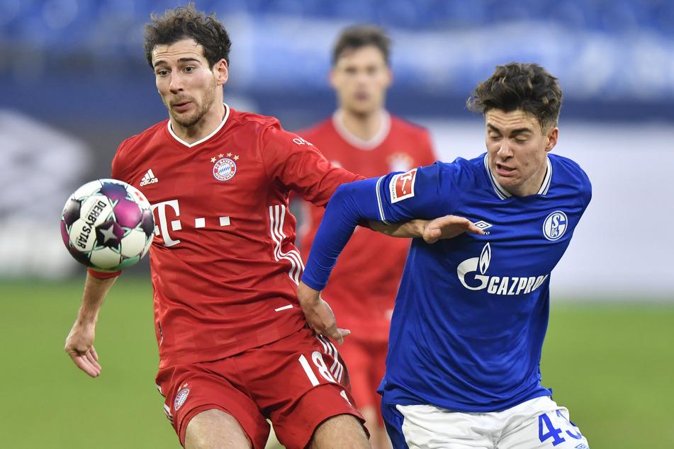 Leon Goretzka (26, l.) kann sich einen langfristigen Verbleib beim FC Bayern München zwar vorstellen, die Modalitäten müssen aber passen.