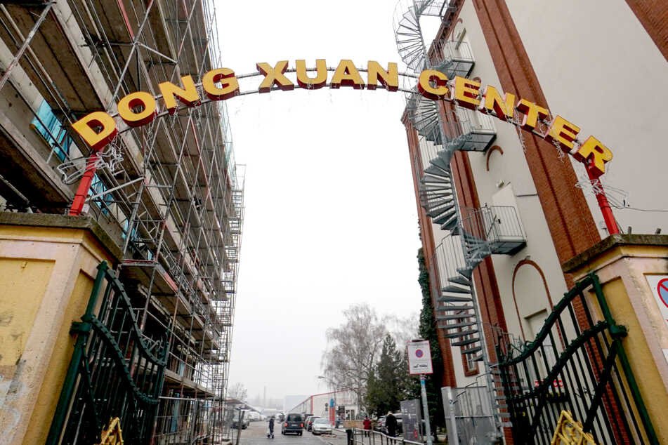 Berlin: Ermittler sicher: Dong Xuan Center ist Anlaufstelle für Schleuser!