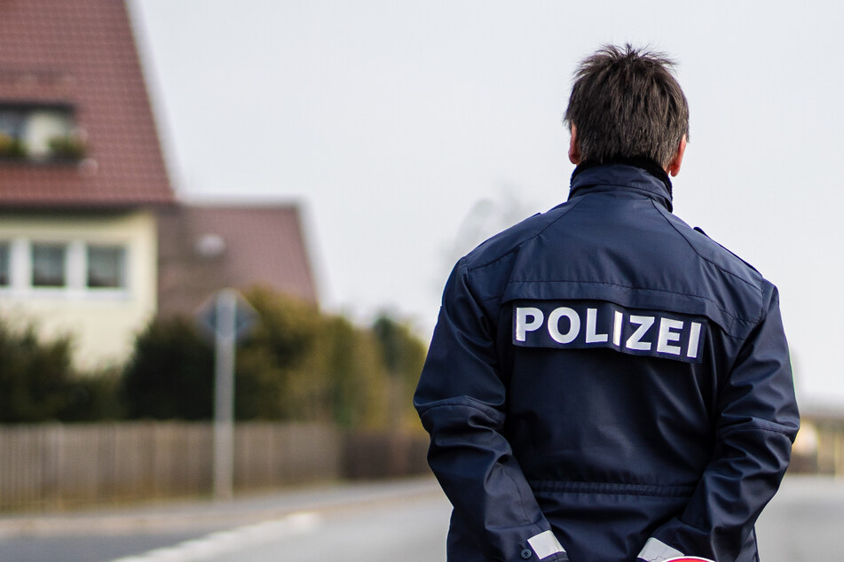 Die Polizei vermutet, dass der Täter einen Schlüssel zur Wohnung hat. (Symbolbild)