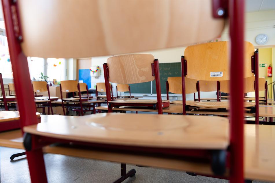 Die gesamte Klasse und ihre Lehrerin befinden sich nun in Quarantäne. (Symbolbild)