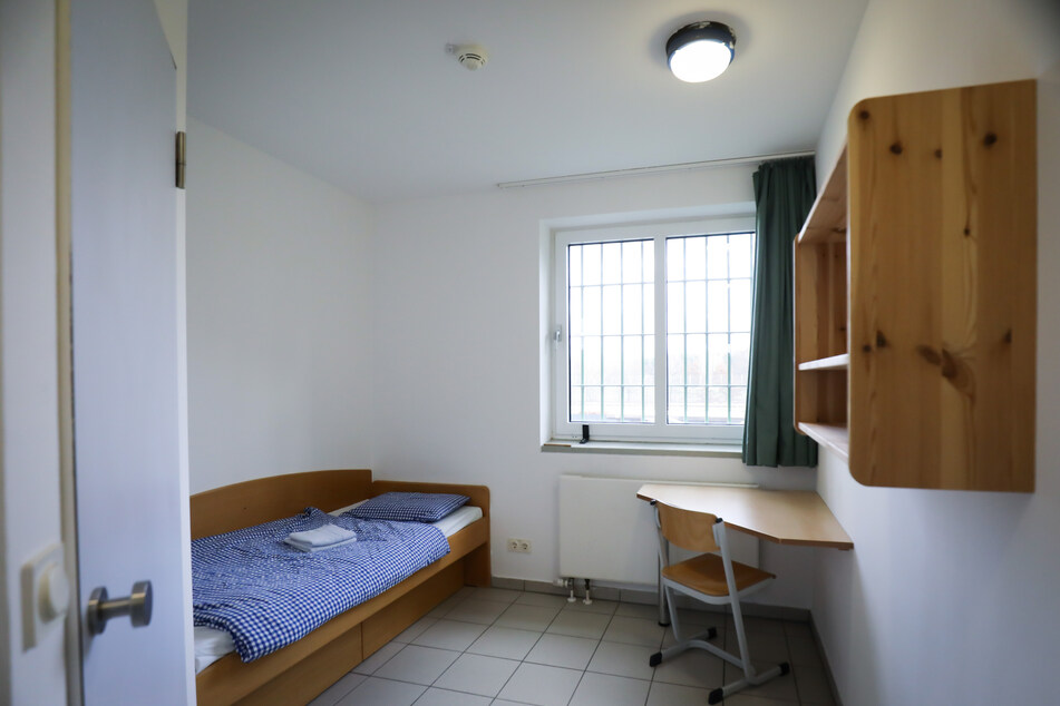 In diesem und fünf weiteren Räumen können hartnäckige Verweigerer einer ihnen auferlegten Corona-Quarantäne künftig untergebracht werden.