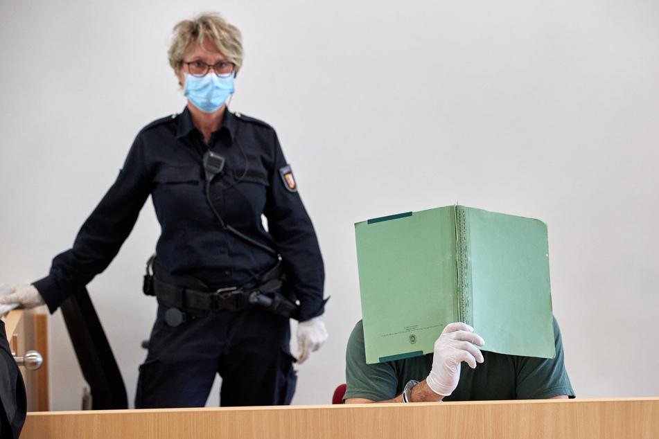Studentin lag gefesselt im Straßengraben: Ist der Angeklagte überhaupt schuldfähig?
