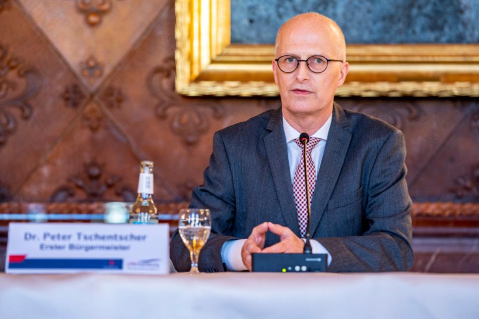 Bürgermeister Peter Tschentscher hat im Radio Stellung zu Vorwürfen genommen.