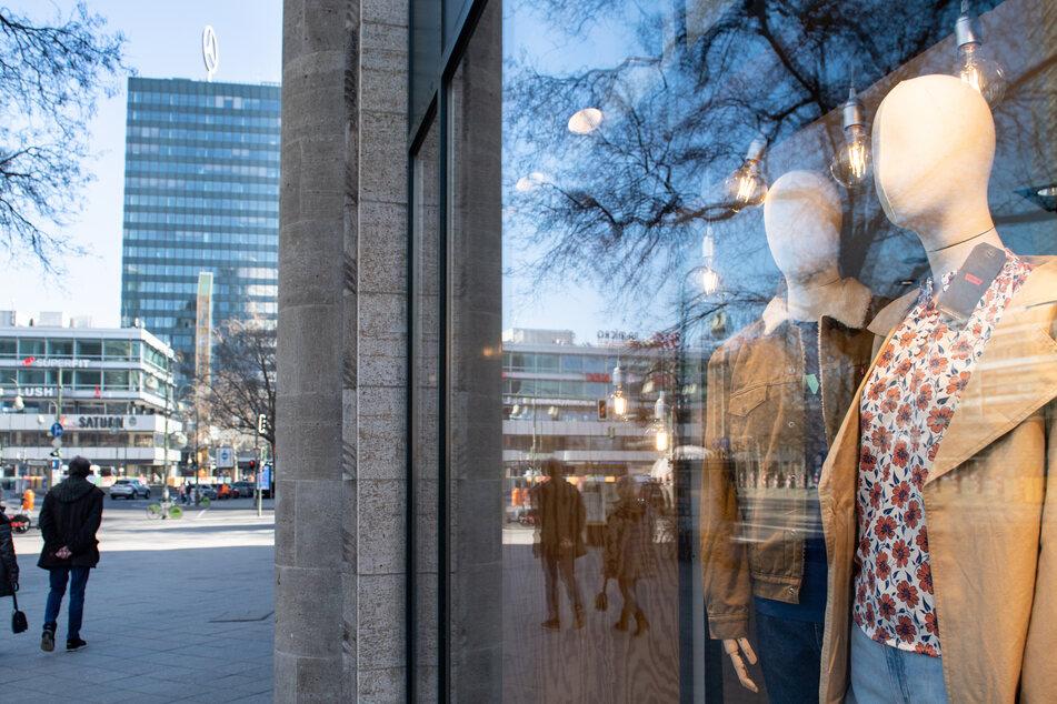 In Schleswig-Holstein darf der Einzelhandel ab Montag wieder öffnen. (Symbolbild)