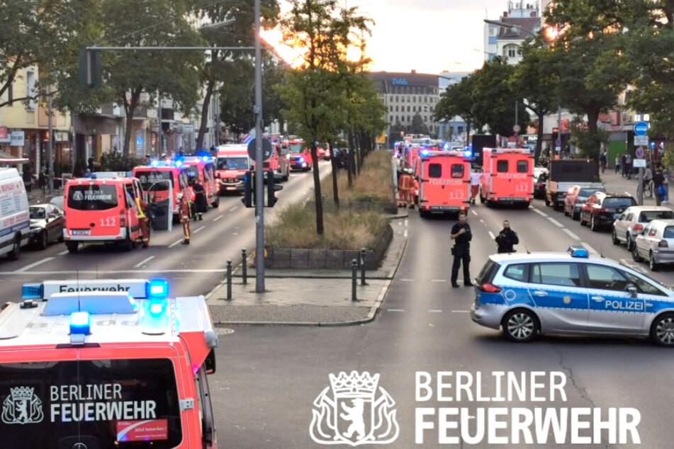 In Berlin-Schöneberg ist am Freitagabend ein Feuer ausgebrochen.