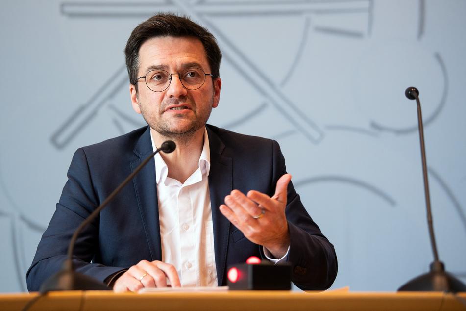 Landtagsfraktionschef Thomas Kutschaty (52) kandidiert als einziges für den Vorsitz der NRW-SPD.