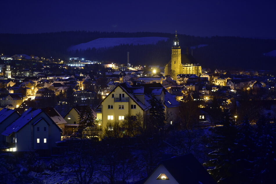 Die Bergstadt Schneeberg will mit Licht ein Zeichen der Hoffnung setzen.