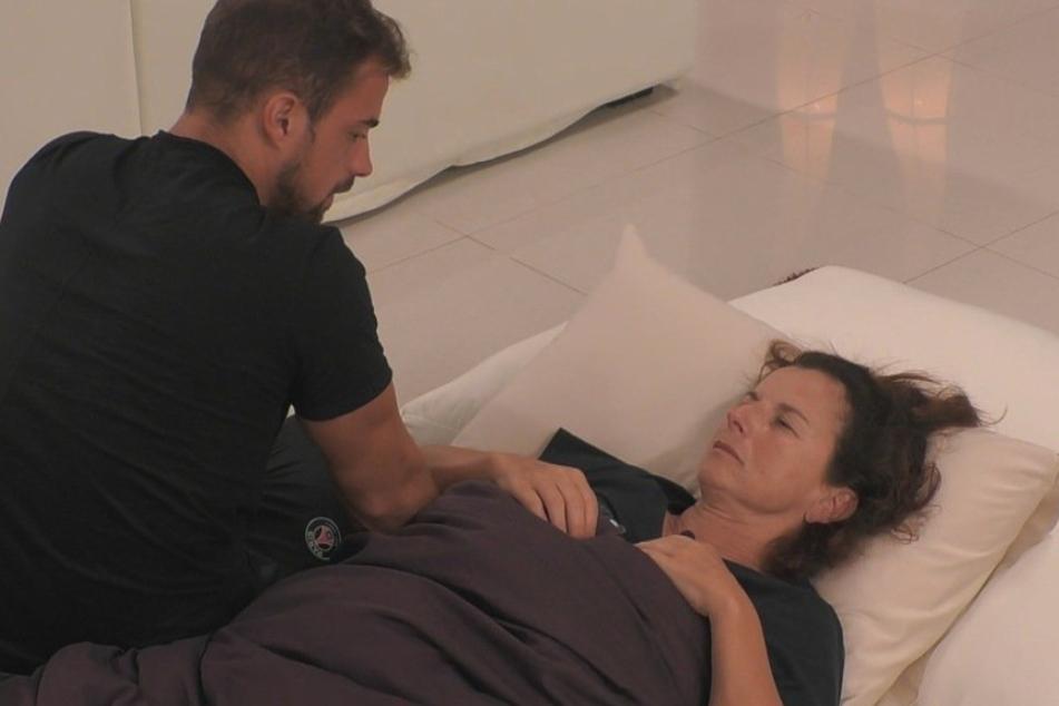 Tobias Wegener kümmert sich als einziger Claudia Obert.