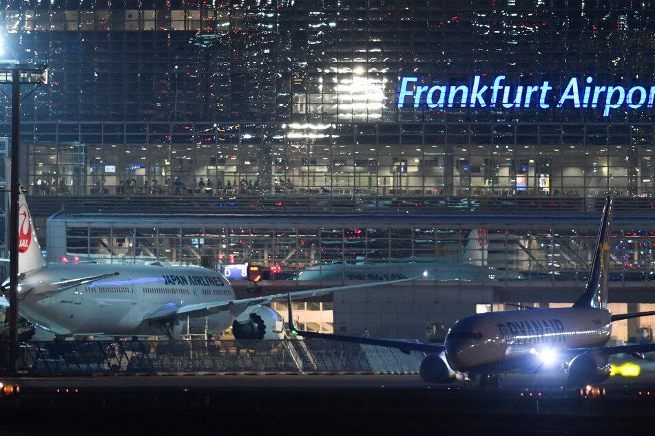 Am Flughafen Frankfurt/Main ist IS-Rückkehrerin Leonora M. vom Landeskriminalamt Sachsen-Anhalt festgenommen worden.