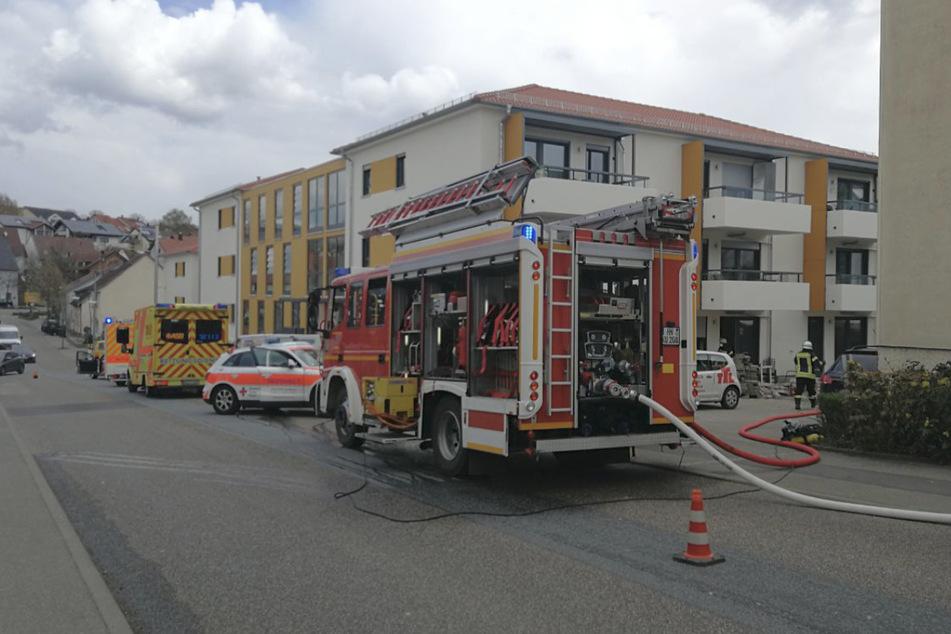 Wohnungsbrand: 55-Jährige wird mit Rettungsheli in Klinik geflogen