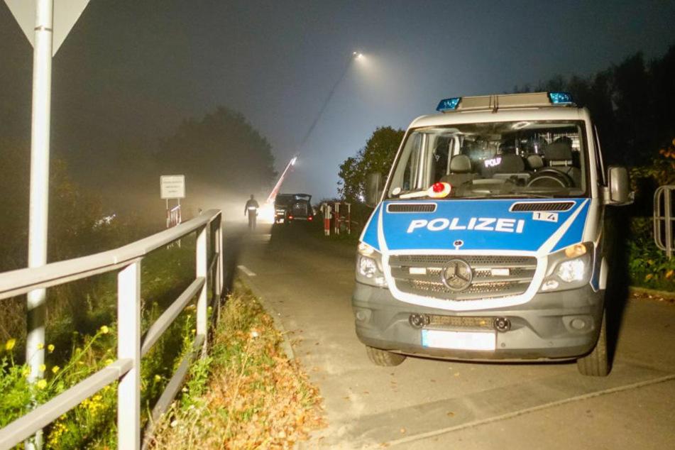 Spaziergänger haben am Sonntagnachmittag in Berlin-Pankow beim Gassigehen vermutlich menschliche Überreste entdeckt.