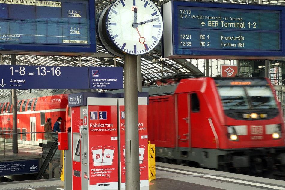 Köln: Deutsche Bahn mit Onlinetickets um 270.000 Euro betrogen - Täter unter 18 Jahre alt