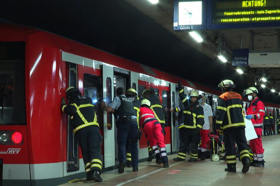 Mann fällt im Hauptbahnhof ins Gleis, seine Leiche wird erst Stunden später gefunden