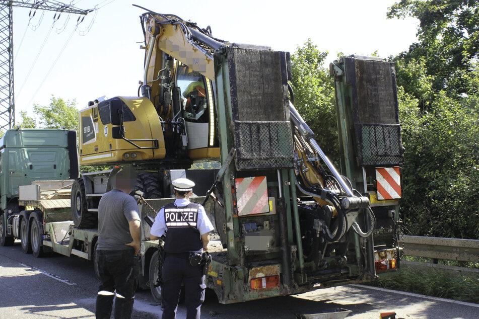 Der Schaden am Bagger beträgt circa 150.000 Euro.