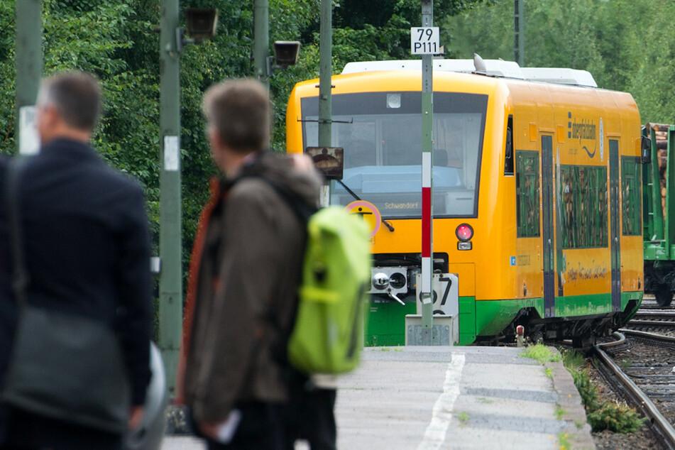 Warnstreik in Bayern! Wer hier mit der Bahn unterwegs ist, braucht Geduld
