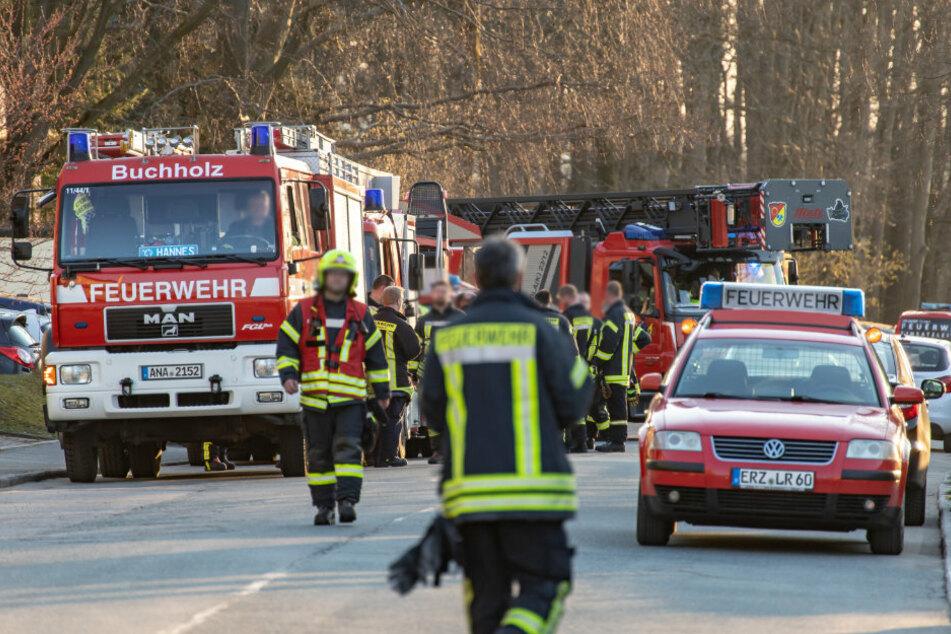 Feuerwehr im Großeinsatz: Ein Verletzter bei Brand im Erzgebirge